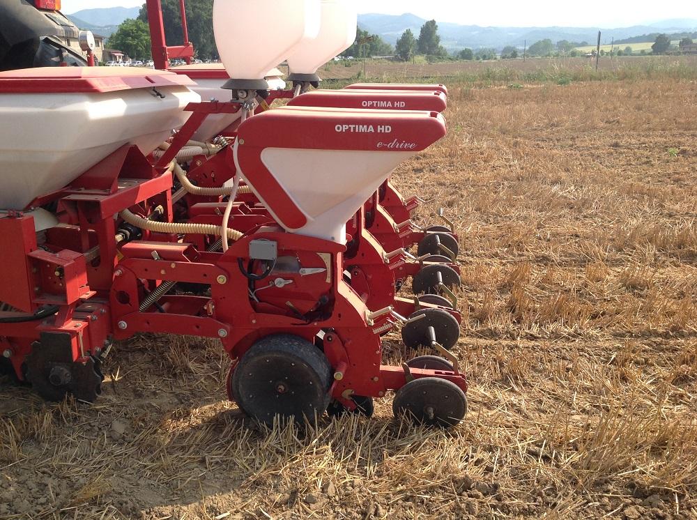 Gli elementi di semina sono progettati in modo tale da assicurare la giusta profondità e precisione sulla fila.