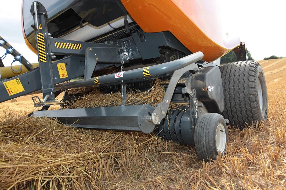 Il rullo pressatore agevola l'ingresso del prodotto anche se si avanza a grande velocità.