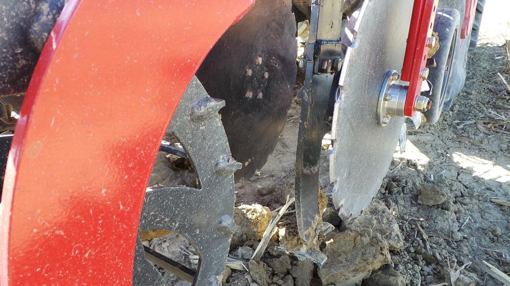 Il Kultistrip può essere equipaggiato con ancore di diversa tipologia che hanno un'influenza enorme sulla preparazione del suolo a seconda dei terreni. Questa è un'ancora ricurva.