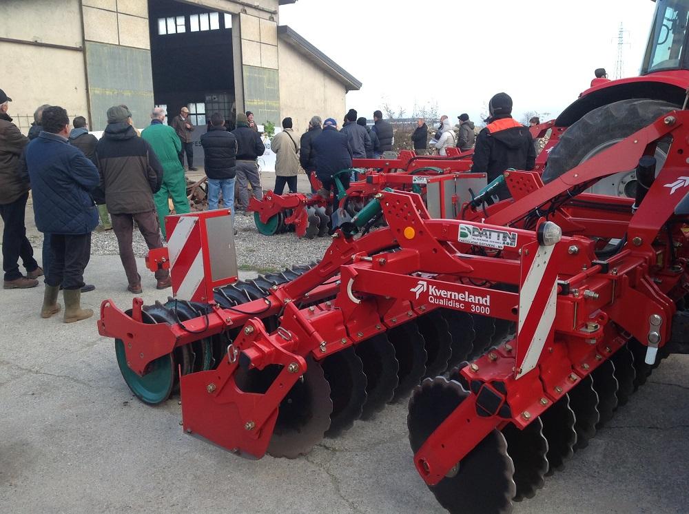 Lo scorso 26 novembre Condifesa Lombardia Nord Est ha organizzato una giornata in campo per mostrare agli agricoltori le cover crops nelle aziende di Massimo Motti a Orzinuovi e nell'azienda di Giacomo Lussignoli a Ghedi, entrambe in provincia di Brescia.