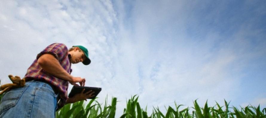 Computer, smartphone e tablet sempre più al fianco dell'agricoltore