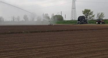 Il campione di produttività per il mais da granella punta sull'acqua e sceglie un rotolone di nuova concezione