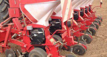 Cosa deve fare una buona seminatrice per depositare con successo i semi sui residui colturali