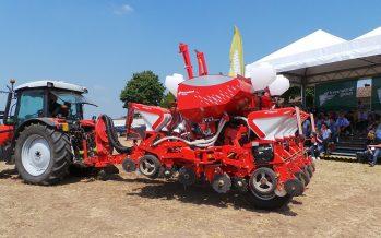 La semina a dose variabile del mais si può fare solo con seminatrici come Optima TF Profi