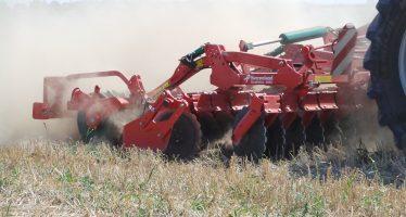 Cos'è la lavorazione ultra superficiale del terreno per aumentare la sostanza organica